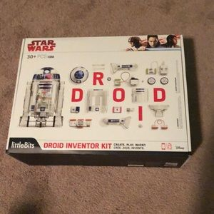 A robo Star Wars droid toy